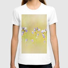 Three lilac flowers T-shirt