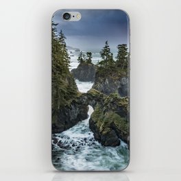 Oregon's Natural Bridges at sunset iPhone Skin