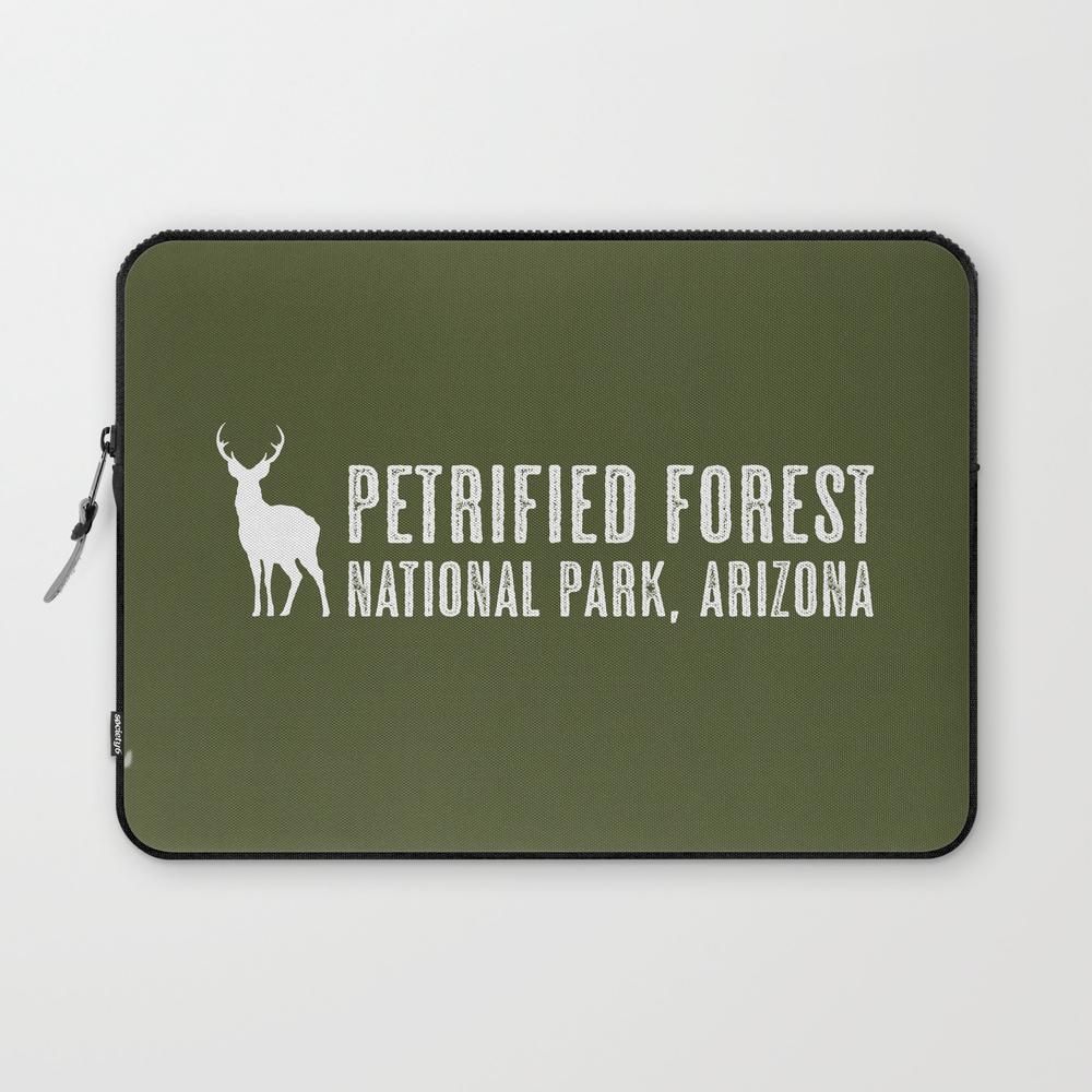 Deer: Petrified Forest, Arizona Laptop Sleeve LSV8979556