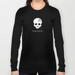 Divas never die. Long Sleeve T-shirt