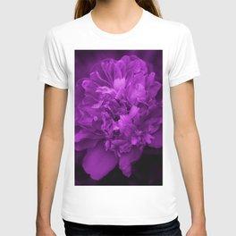 Peony In Ultra Violet Color #decor #society6 #buyart T-shirt