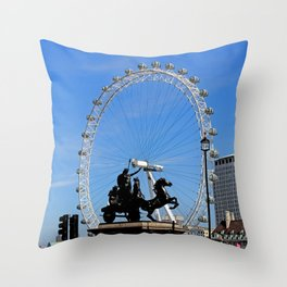 Boadicea supporting the London eye Throw Pillow