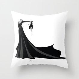 Béatrice Beheaded Throw Pillow