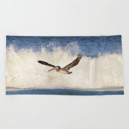 marina pelican Beach Towel