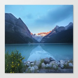 Mountains lake Canvas Print