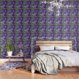 Fluid Nature - Green Jewel In Purple Flower Wallpaper