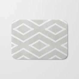 Stitch Diamond Tribal Print in Grey Badematte