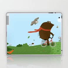 The Bear goes to the City Laptop & iPad Skin