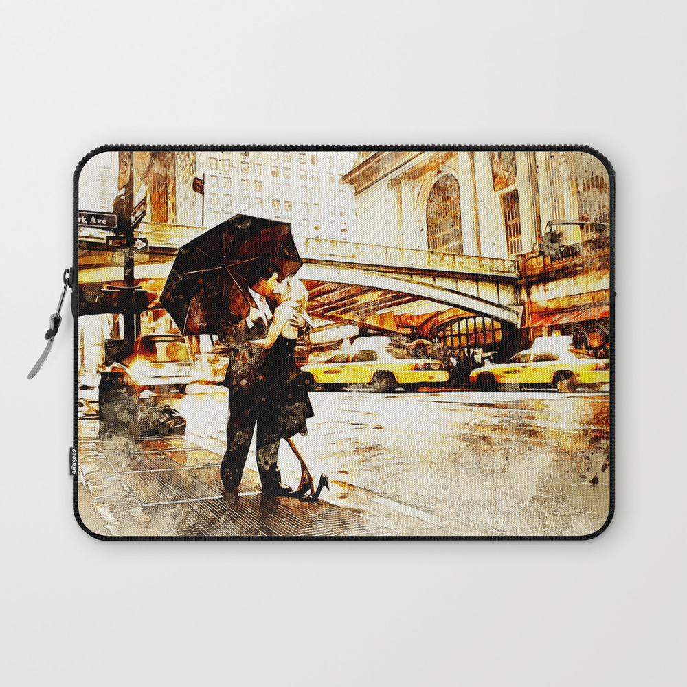 Love In The Rain (loving The Rain) Laptop Sleeve LSV8597572
