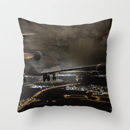 Wind 360 20 kts clear to land Throw Pillow