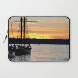 SHIPS AT SUNSET Laptop Sleeve