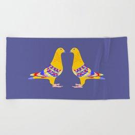 Colombian pigeon Beach Towel