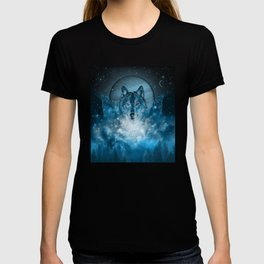 wolf in blue T-shirt