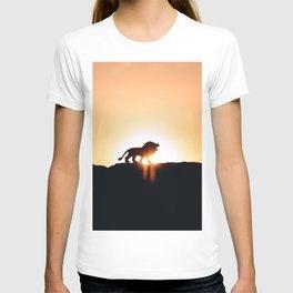 Lion Sunset Silhouette (Color) T-shirt