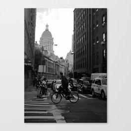 MANHATTAN IN ACTION Canvas Print
