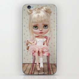 Ana Erregiro Blythe doll iPhone Skin