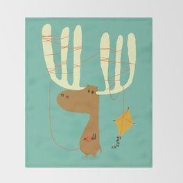 A moose ing Throw Blanket