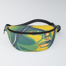 The woman Fanny Pack