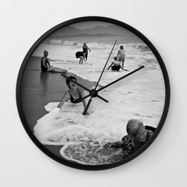 Bathing Woman in Vietnam - analog Wall Clock