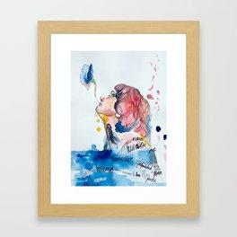 Con la boca llena de flores Framed Art Print