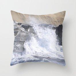 SPLASHING OCEAN WAVE Throw Pillow