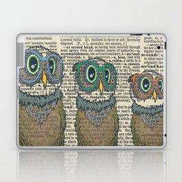 Owl wearing glasses Laptop & iPad Skin