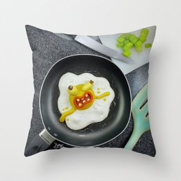 The murder of the fried egg Throw Pillow