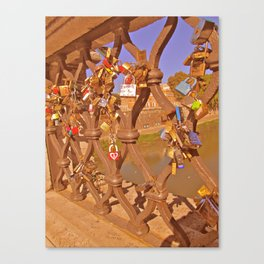 love lock 5 Canvas Print