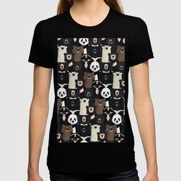 Bears of the world pattern T-shirt