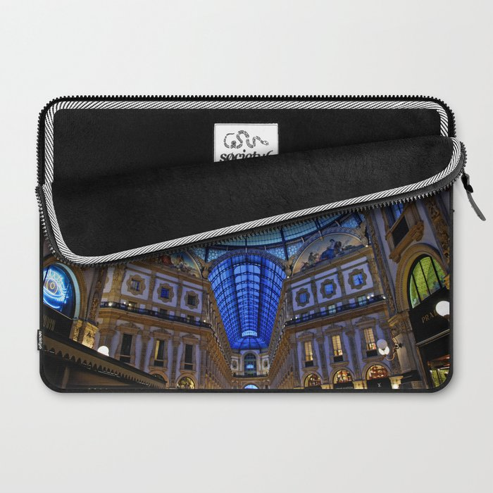 Shoping in Milan Laptop Sleeve