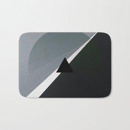 London - triangle/circle graphic Bath Mat