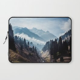 VALLEY - MOUNTAINS - TREES - RIVER - PHOTOGRAPHY - LANDSCAPE Laptop Sleeve