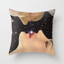 Interstellar kiss Throw Pillow