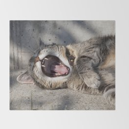 CAT - YAWNING - PHOTOGRAPHY - ANIMALS - CATS Throw Blanket