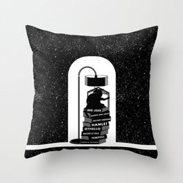 CAT READING SHAKESPEARE Throw Pillow