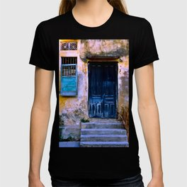 Chinese Facade of Hoi An in Vietnam T-shirt