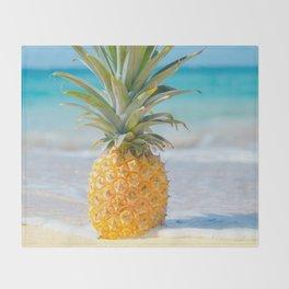 Aloha Pineapple Beach Kanahā Maui Hawaii Throw Blanket