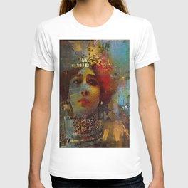 La demi-mondaine T-shirt