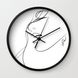 closely.w Wall Clock
