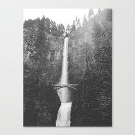 MULTNOMAH FALLS / Oregon Canvas Print