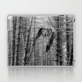owl in the woods Laptop & iPad Skin