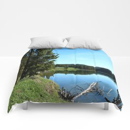 Peaceful Morning At Yellowstone River Comforters
