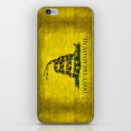 Gadsden Dont Tread On Me Flag - Distressed iPhone Skin