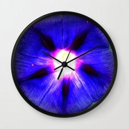 Flor Roxa - Fleur Purpure Wall Clock