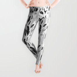 raphic pattern feathers on a white background Leggings