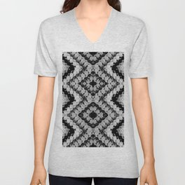Black White Diamond Crochet Pattern Unisex V-Neck