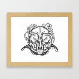 Mas allá de lo bello Framed Art Print