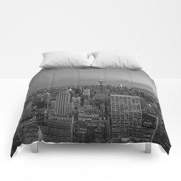 Manhattan sunset. Black and white photo Comforters