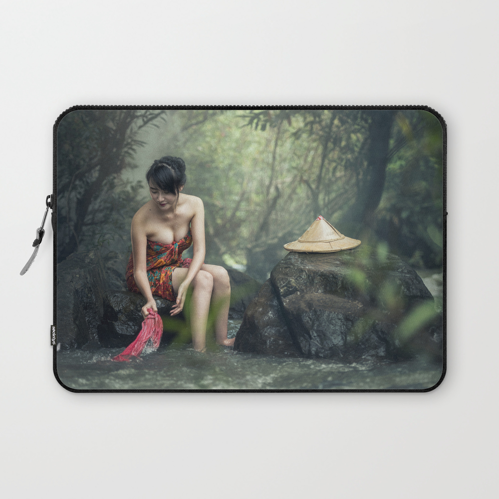 Women Nature Laptop Sleeve LSV8805320