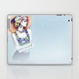 Karlie Kloss in D&G Laptop & iPad Skin